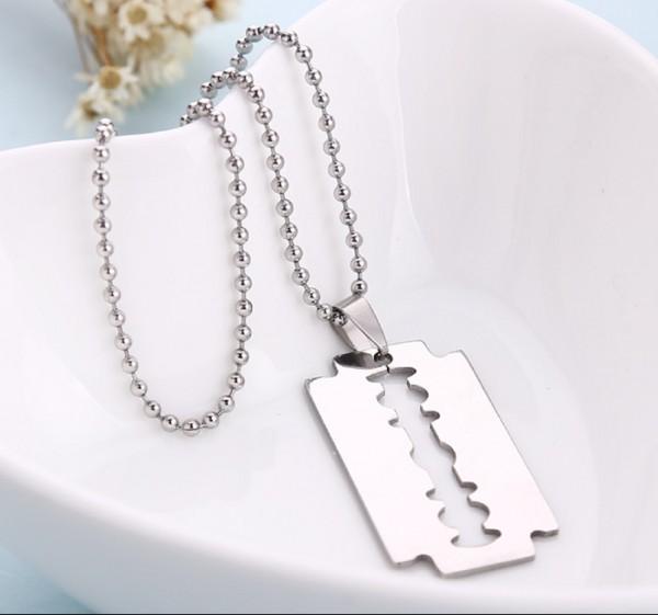 1X Maenner Edelstahl Rasierklinge Anhaenger Ketten Halskette Silber  X6V8