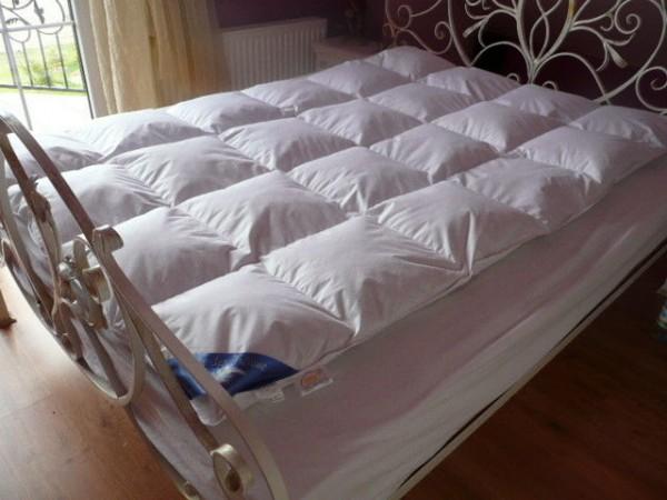 versandfrei steppbett daunen bettdecke sommer natur 155x220 f llung 950 g neu ebay. Black Bedroom Furniture Sets. Home Design Ideas
