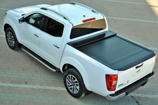 nissan navara double cab laderaumabdeckung in schwarz ab. Black Bedroom Furniture Sets. Home Design Ideas