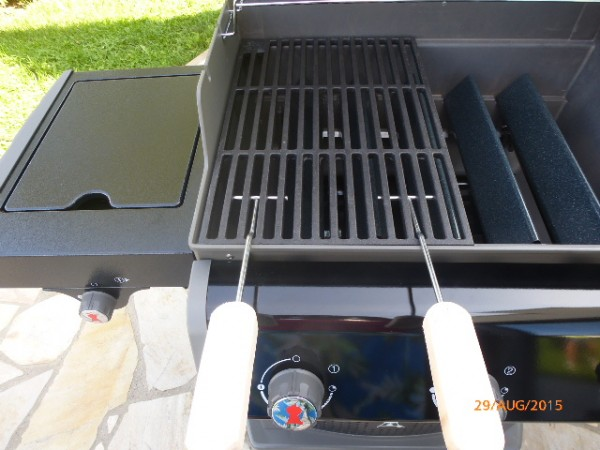 gusseisen grillrost 4 2kg f r weber spirit e 310 320 grill guss griff ebay. Black Bedroom Furniture Sets. Home Design Ideas